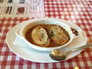 イタリア食堂 オニオングラタンスープ