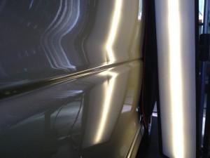 トヨタ エスティマのデントリペア施工前