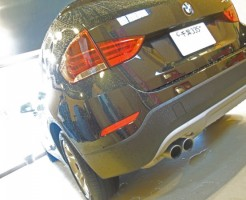 BMW X1のデントリペア