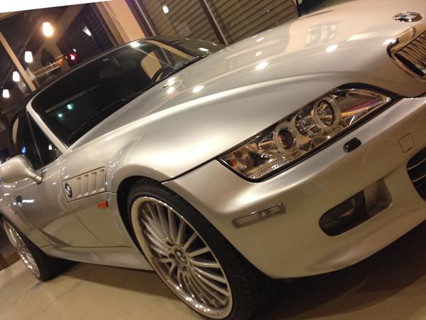 BMW Z3のデントリペア