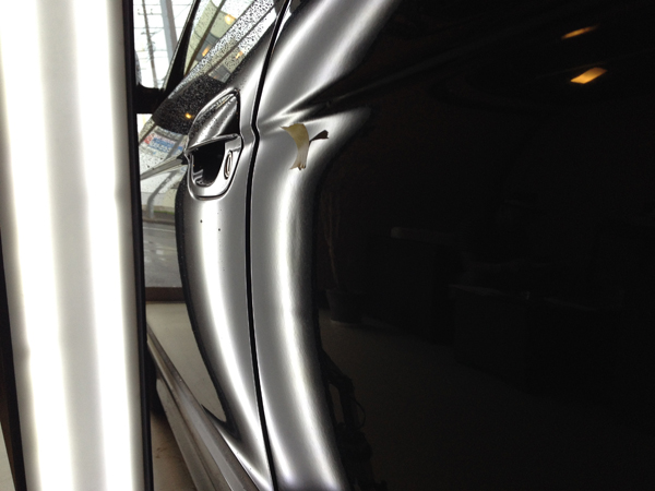 BMW525のデントリペア