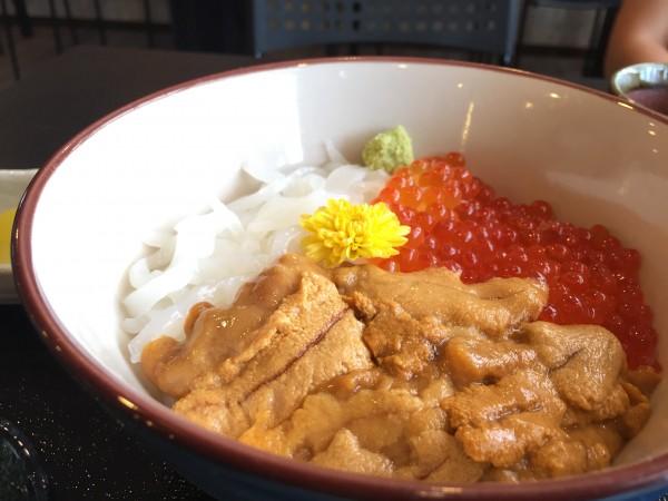 三色丼|金谷食堂